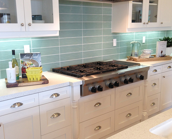 kitchen stueve tile